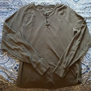 GAP mens long tee